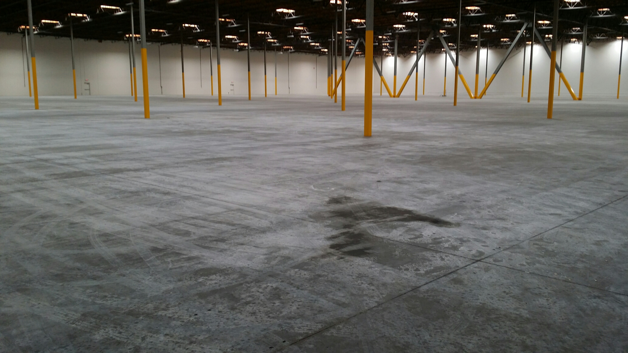Warehouse cleaning service southern california for Flooring los angeles