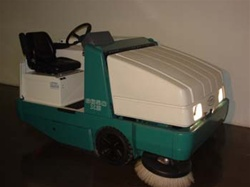 Reconditioned Tennant 6650 Sweeper